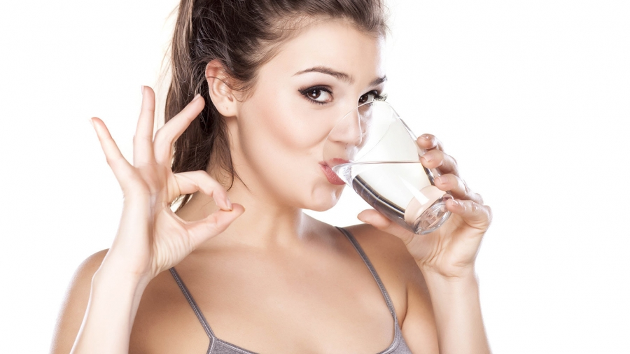 women-drinking-water-e1453340764866